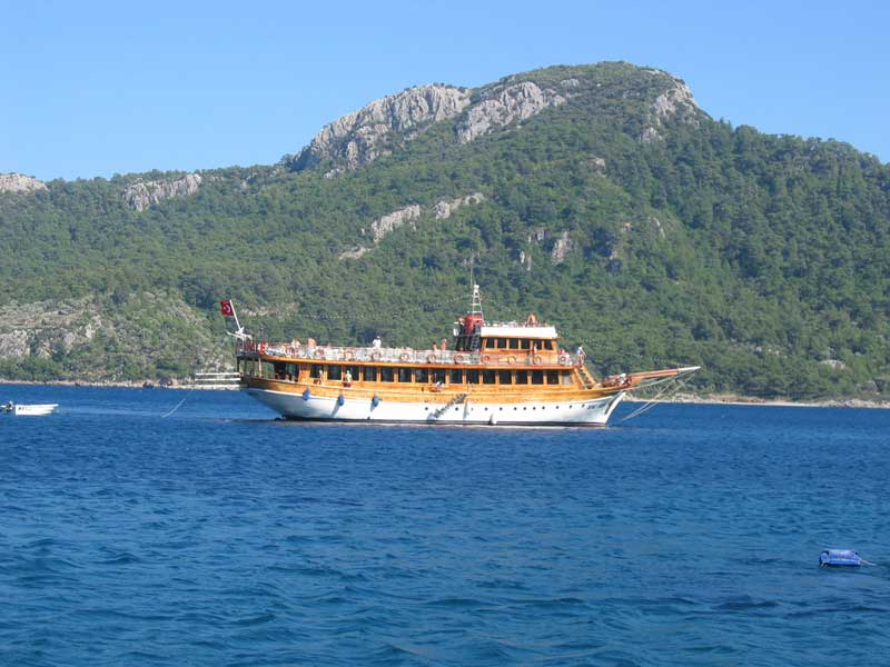 Turunç Boat Trips - beautiful scenery on the five-bay cruise