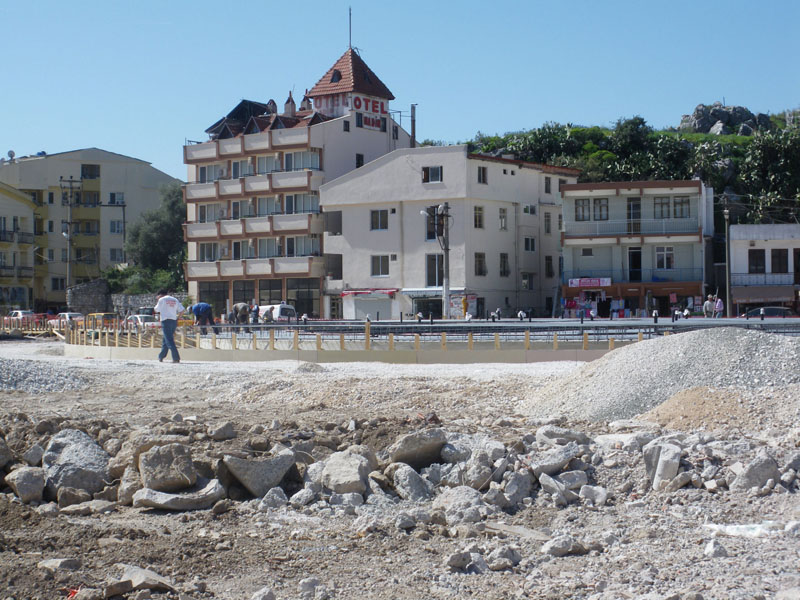 Marmaris work continues - the old Tansaş where you can see shuttering for the new fountain