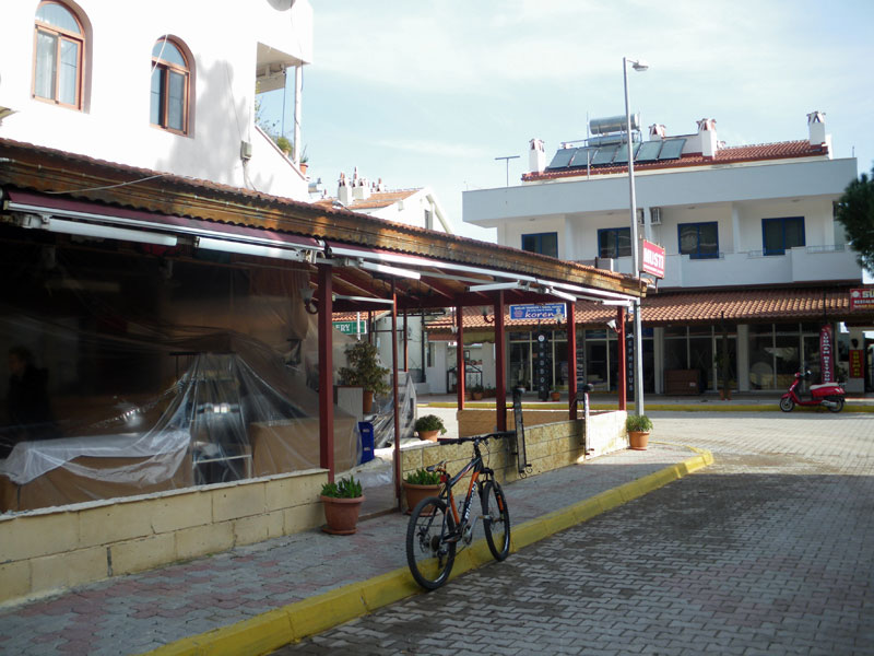 Tenting now removed from Musti Restaurant