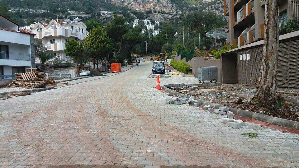 New road outside the new Turunç Premier hotel - almost finished
